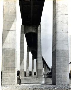 International Bridge under Canadian Approach - Yrjö Petäinen